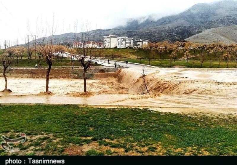 Heavy Rain Causes Flooding in Iran's Lorestan Province (+Video)