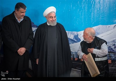 تقدیر از عوامل ساخت آزادراه تهران -شمال توسط حسن روحانی رئیس جمهور