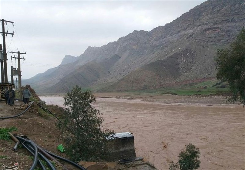 Pol Dokhtar in Iran's Lorestan Province Hit with Heavy Rainfalls, Flooding (+Video)