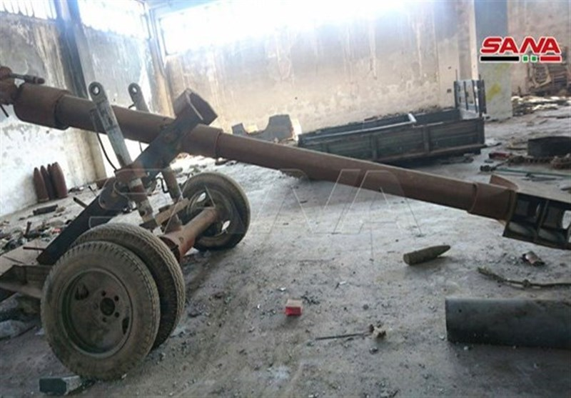 Syrian Army Discovers Terrorists' Weapons Factory West of Aleppo