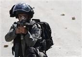 تیراندازی نظامیان صهیونیست به سمت یک جوان فلسطینی