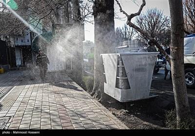 تعقيم الشوارع والأرصفة في طهران لمنع انتشار فيروس كورونا