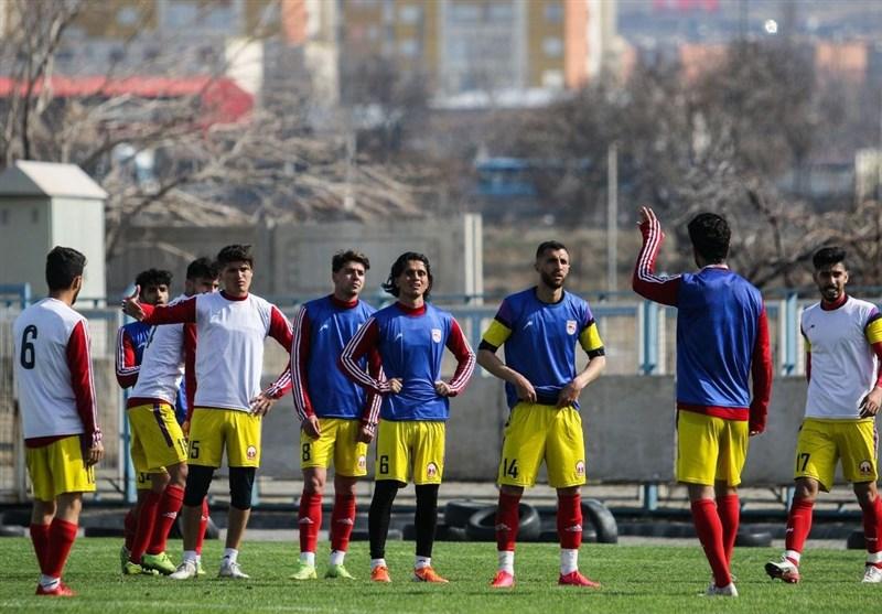 تمرینات تراکتور از روز سهشنبه از سر گرفته میشود/ خارجیها در تبریز ماندند