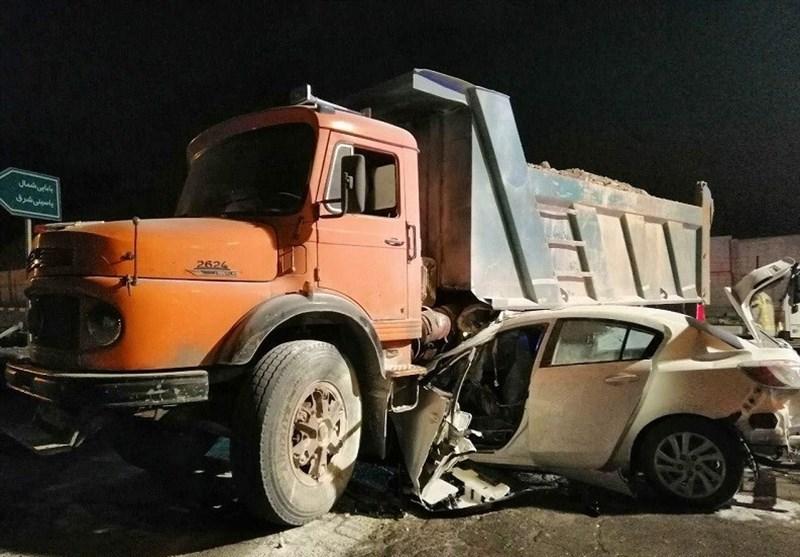 بیاحتیاطی راننده کامیون در آزادراه زنجان- قزوین 3 کشته بر جای گذاشت