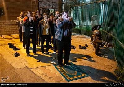 توزیع رایگان محلول ضدعفونی کننده توسط بسیجیان
