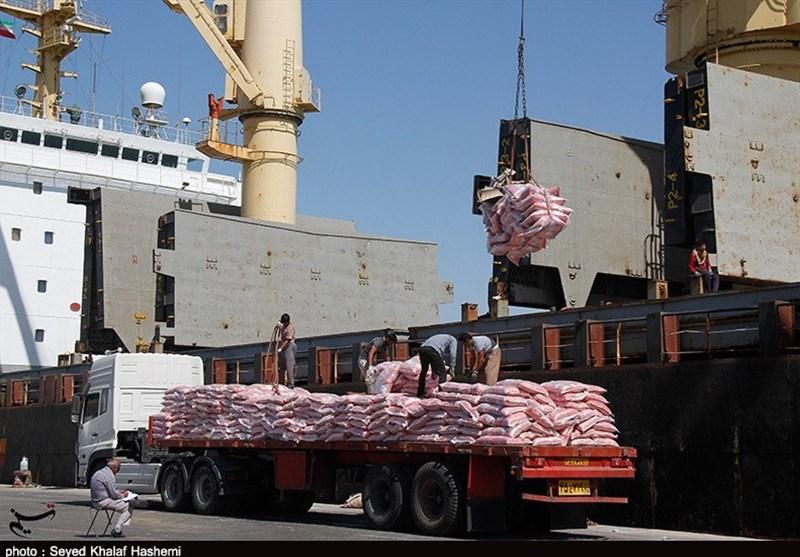 سومین کشتی حامل 10 هزار تن برنج در بندر بوشهر تخلیه شد