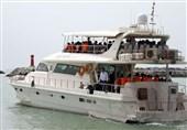 شناورهای مسافری قشم علیرغم هشدارهای بهداشتی درباره شیوع ویروس کرونا درحال تردد هستند