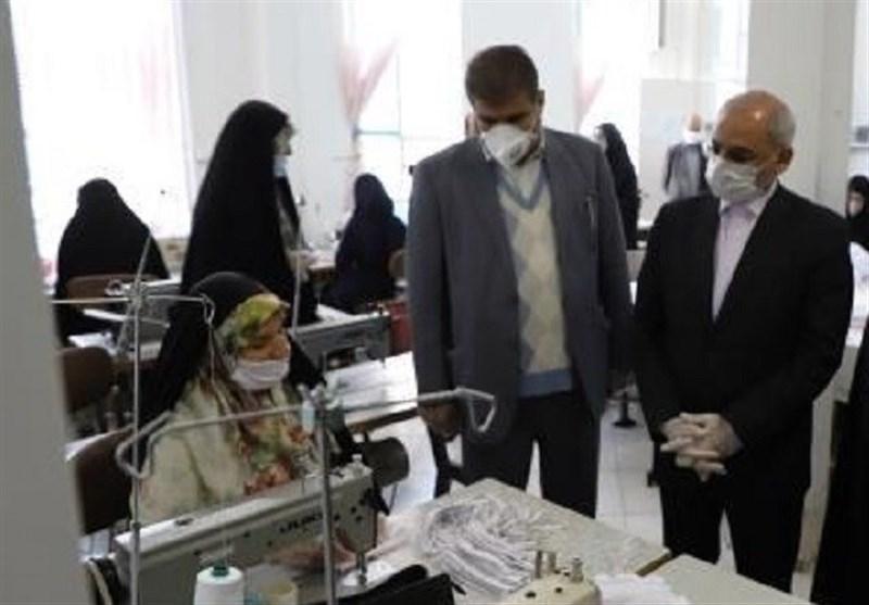 تلاش دانشآموزان یک هنرستان برای مبارزه با کرونا و تولید روزانه 700 ماسک