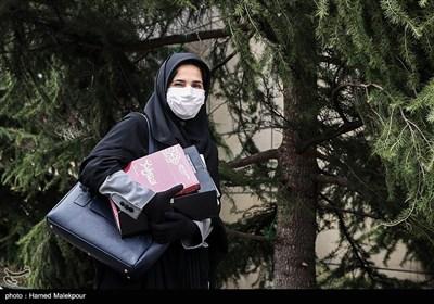 لعیا جنیدی معاون حقوقی رئیس جمهور در حاشیه آخرین جلسه هیئت دولت در سال ۹۸