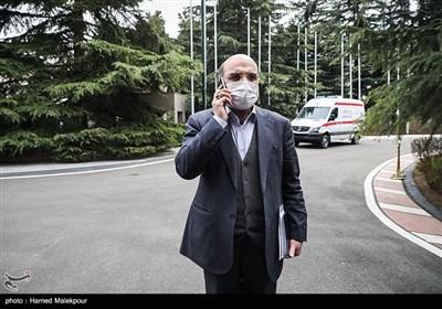 عبدالعلی علیعسگری رئیس سازمان صدا و سیما در حاشیه آخرین جلسه هیئت دولت در سال ۹۸