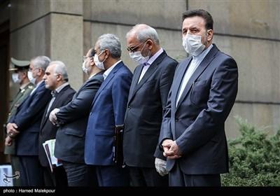 محمود واعظی رئیس دفتر رئیس جمهور در حاشیه آخرین جلسه هیئت دولت در سال ۹۸