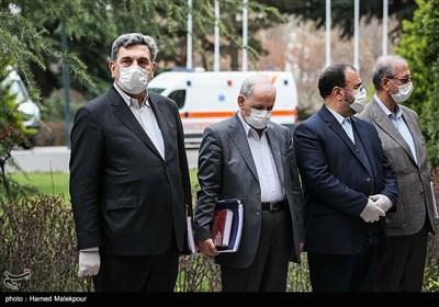 پیروز حناچی شهردار تهران در حاشیه آخرین جلسه هیئت دولت در سال ۹۸