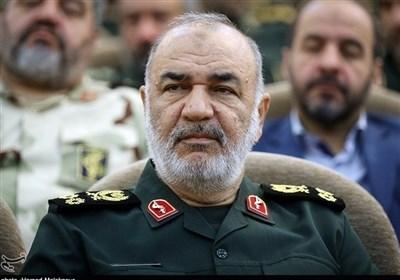 سردار سلامی اعلام کرد: برپایی ۱۰ بیمارستان سیار و صحرایی سپاه برای مقابله با کرونا