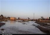 شهر سیلزده زهکلوت به چهار قسمت برای خدمترسانی سپاه تقسیم شد / توزیع بستههای غذایی بین مردم