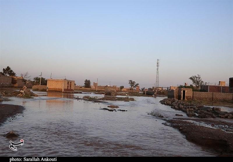 آخرین جزئیات سیلابهای جنوب کرمان  آب و برق بسیاری از نقاط سیلزده تا آخر وقت امروز وصل میشود
