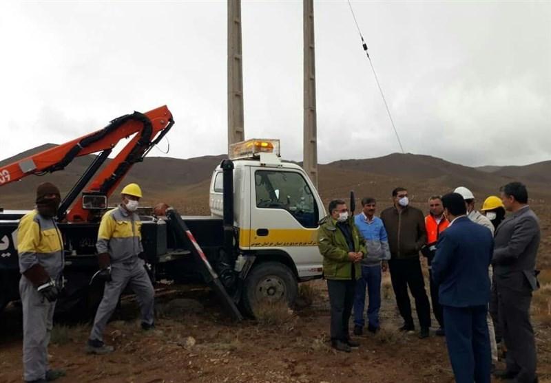 تلاش شبانهروزی برای پایداری شبکههای برق / آمادهباش صنعت برق خراسان جنوبی + تصاویر