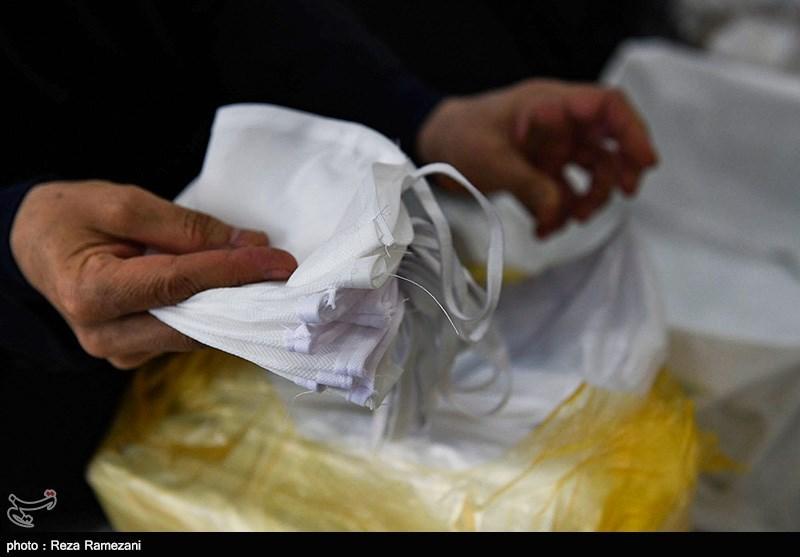 قرارگاه جهادی شهید حاج قاسم سلیمانی 1000 ماسک به بیمارستان امام سجاد(ع) یاسوج اهدا کرد
