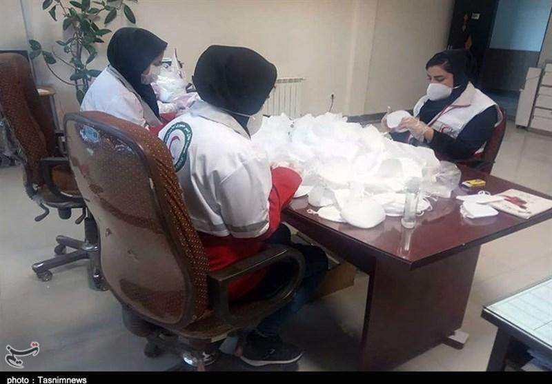 تولید و توزیع رایگان 12 هزار ماسک توسط داوطلبان جمعیت هلالاحمر در کردستان+ تصاویر
