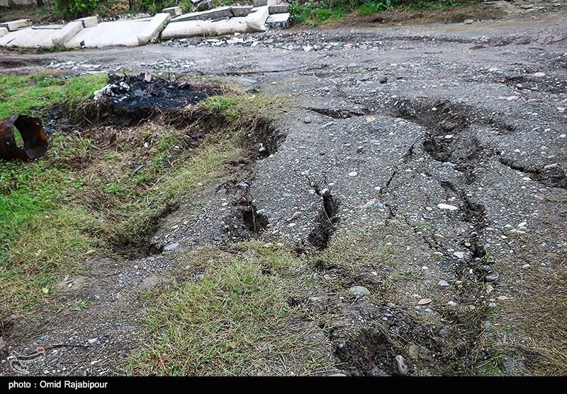 رانش زمین در محورهای مواصلاتی 8 شهرستان گیلان؛ 53 اکیپ راهداری در جادهها مستقر شدند