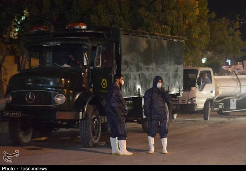 گزارش ویدئویی تسنیم  عملیات جهادی نیروی دریایی سپاه در ضدعفونی معابر / خودروهای جنگ نوین به کمک مردم آمد
