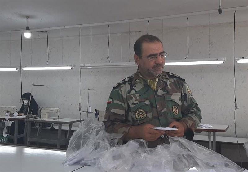 حضور تیپ 392 زرهی ارتش برای مقابله با کرونا / همسران نیروهای ارتش هم پای کار تولید ماسک آمدند