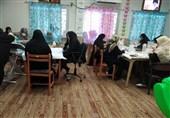 خواهران جهادی پای خدمت به مردم در محرومترین منطقه ایران / تهیه و توزیع ماسک به همت بسیجیان کنارک