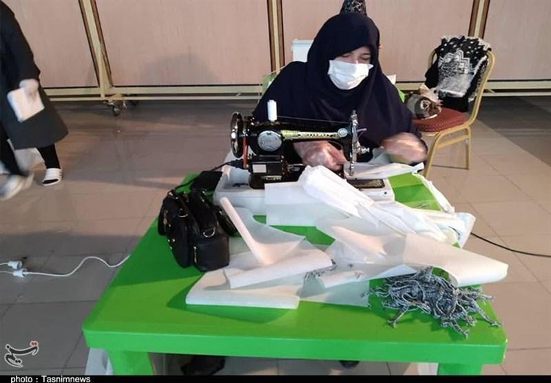 تولید روزانه 9 هزار ماسک از سوی خادمیاران آستان قدس رضوی سمنان
