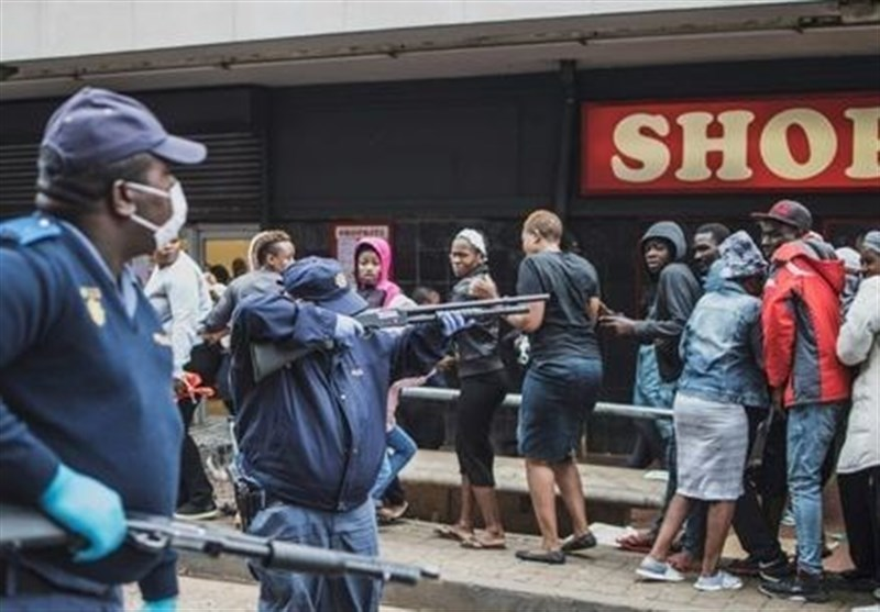 South African Police Fire Rubber Bullets at Shoppers during Lockdown