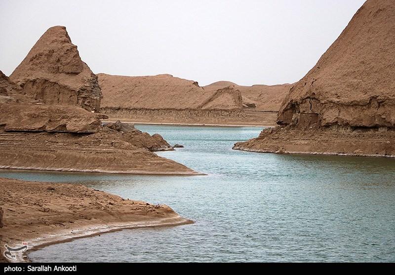 خودنمایی دریاچه شهداد کرمان در دل کویر لوت از نگاه دوربین