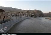 بلاتکلیفی برخی سیلزدگان شهر پلدختر پس از 16 ماه از سیل؛ لایروبی رودخانههای پلدختر باید انجام شود