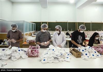 روزانه ۱۰هزار ماسک، نذر افراد نیازمند