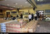 آمادهسازی و پخش بستههای بهداشتی و مواد غذایی در ارومیه بههمت بسیجیان بهروایت تصویر