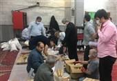 توزیع بستههای غذایی بین نیازمندان محله طیب توسط نمازگزاران مسجد اباذر+ عکس و فیلم