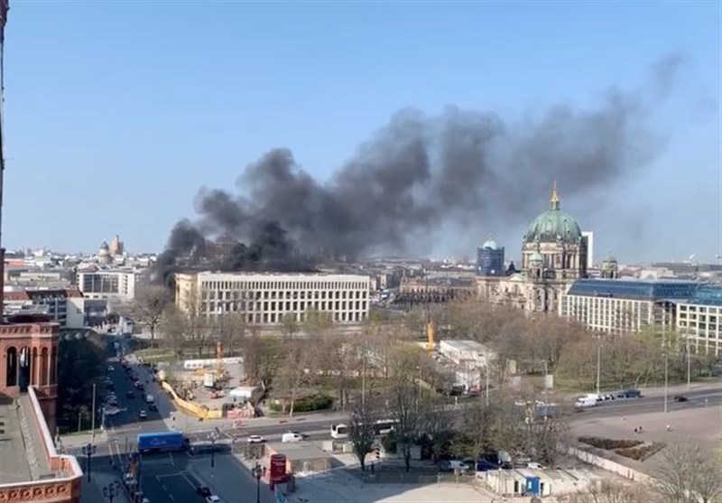 Fire Breaks Out at Building Site of Palace in Berlin (+Video)
