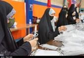 اصفهان| روایتی از زنانی که در میدان مبارزه با کرونا فعالیت میکنند؛ وقتی زن بودن محدودیتها را کنار میزند + تصاویر