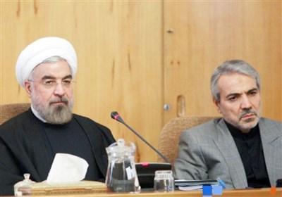تناقض در گفتار مقامهای دولتی| نوبخت: مردم یارانه نمیخواهند/ روحانی: به هر نفر ۱۰۰هزار تومان میدهیم!