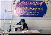 تولید ماسک توسط بانوان در قرارگاه جهادی مکتبالزهرای اراک به روایت تصویر