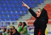 کرمان| سرمربی تیم فوتسال دختران مس رفسنجان: لیگ برتر جای بازیکنسازی نیست