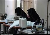 گزارش| یزد مهد جهاد و ایثار / تلاش خستگیناپذیر خانواده شهدا و بانوان جهادگر برای تولید ماسک و گان + فیلم