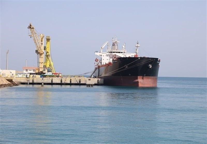 ورود همزمان 7 کشتی کالای اساسی به بندر شهید بهشتی چابهار / توزیع 340 هزار تن کالای اساسی به زودی