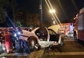 مرگ دلخراش راننده جوان بر اثر برخورد شدید با تیر چراغ برق در بلوار ایرانزمین + تصاویر