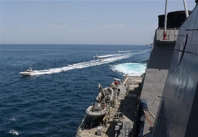 IRGC Releases Footage of Encounter with US Warships in Persian Gulf (+Video)