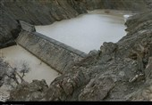 سازههای آبخیزداری بستک ظرفیت استحصال سالانه 30 میلیون مترمکعب آب را دارد