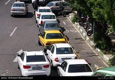 دوبله پارک کردن خودروها به علت کمبود جای پارک