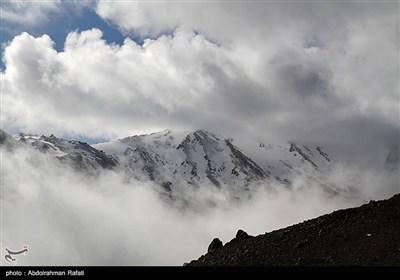 ابر و مه در کوهستان الوند