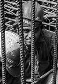 سکوت کارگران در برابر حذف مزایای شغلی از ترس بیکاری