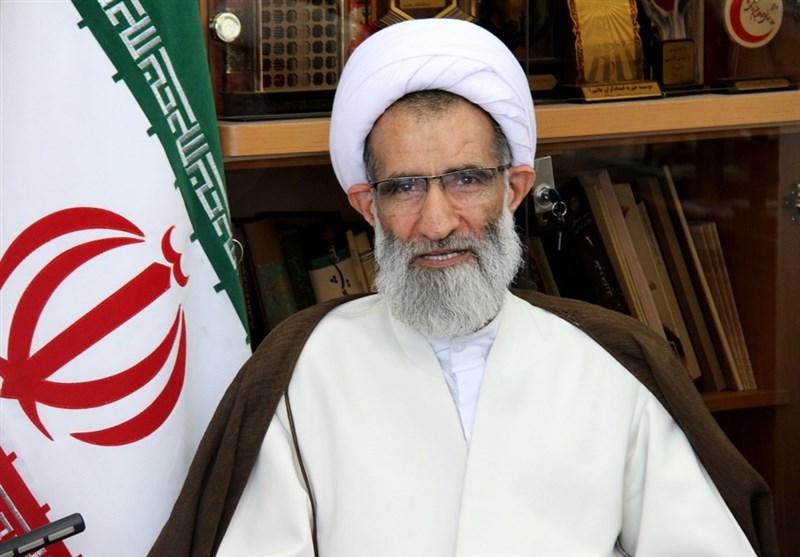 """امام جمعه شهرکرد: جوانان """"عدالت"""" را در جامعه مطالبه کنند"""