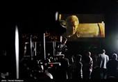 اکران فیلم خروج به کارگردانی ابراهیم حاتمیکیا برای کشاورزان تراکتورسوار روستای یوسف رضا شهرستان پیشوا