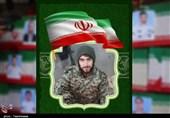مادر شهید مدافع خلیج فارس: حاضرم همه فرزندانم را فدای انقلاب و رهبر عزیزم کنم / اسلحه شهدا بر زمین نمیماند