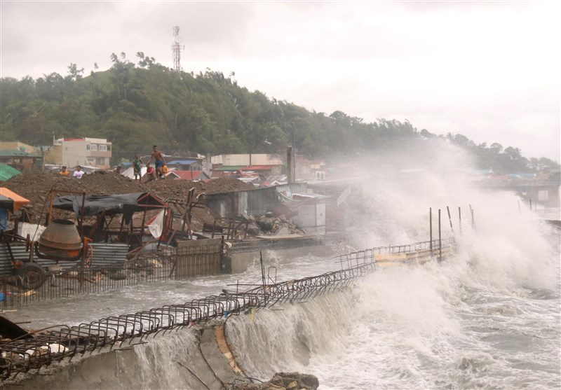 Philippines Evacuates Nearly 1,800 as Tropical Storm Molave Approaches